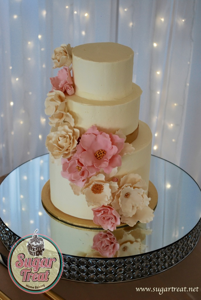 3 tier sugar flowers and gold