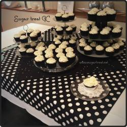 Black, white and silver theme cupcakes