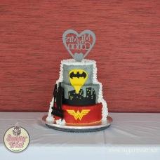 Super Heroes Wonder woman and Batman 3 tier - Back