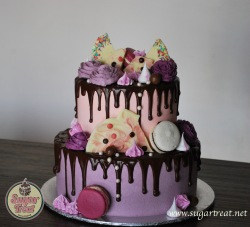 2 tier and 2 colours chocolate drizzle