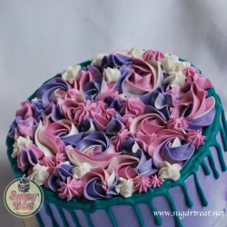 Coloured buttercream and drizzle