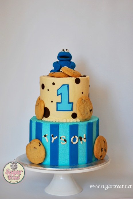Cookie monster 2 tier white backdrop