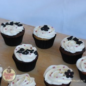 Cupcakes black and hot pink