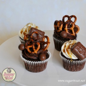Cupcakes Mars and pretzel