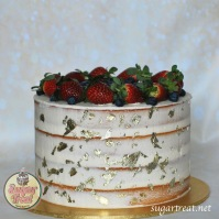 Engagement Semi-naked gold and fresh fruits side