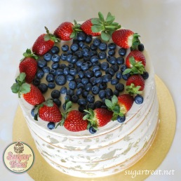 Engagement Semi-naked gold and fresh fruits top