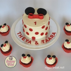 Minnie mouse red and white 6 cupcakes