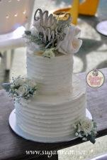 Wedding cake extended 2 tier fresh flowers